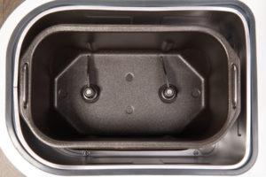 Brotbackautomaten reinigen und pflegen – praktische Tipps